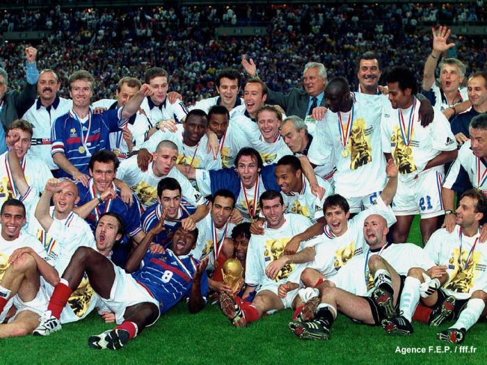 Le 12 juillet 1998 c'était il y a 15 ans.